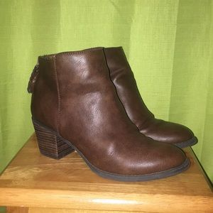 Brown booties/ ankle boots